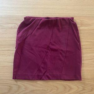 Simply Vera Wang Maroon Skirt Size Small